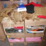 palette de 400 pièces de bonnets, écharpes, gants, etc