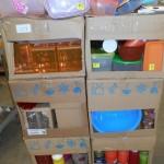 lot de 400 pièces de vaisselle plastique boites hermétique, verres, saladiers, etc………