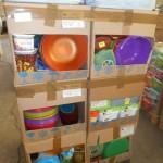 lot de 550 vaisselle plastique saladiers, boites hermétique, plateaux, etc