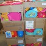 lot de 600 pièces de vaisselle plastique pour enfant et bébé assiettes, bols, gobelets, etc
