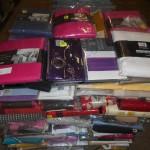 lot de 200 pieces de linge de maison  draps, rideaux, nappes, voilages…..