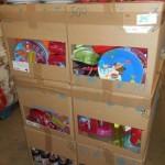 lot de 500 pièces de vaisselle plastique assiettes, boites hermétique, gourdes, canettes, etc