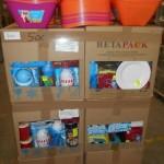 lot de 500 pieces de vaisselle plastique assiettes, boites hermetiques, saladiers, mini glaciers…..