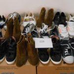 170 paires de chaussures