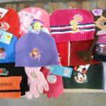 250 bonnets, écharpes, gants pour enfants 180 ht