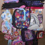 lot de 200 sacs, sacs à dos, sacoches Violetta, Monster High etc …
