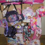 lot de 300 sacs, sacoches enfants Violetta, Barbie, Sofia etc …