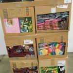 lot de fournitures scolaires feutres, trousses, classeurs, crayons, cahiers etc …