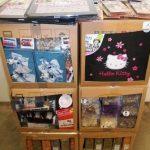 lot-de-loisirs-creatifs-album-photo-hello-kitty-galets-decoratifs-rubans-etc